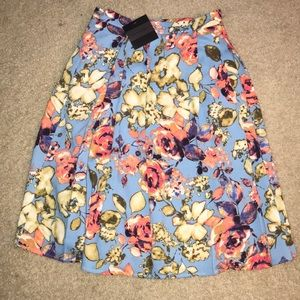 Dresses & Skirts - Floral skirt size small